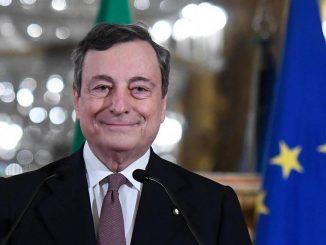 piano Draghi vaccino modello inglese