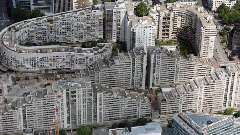 Scontri tra gang nelle banlieue di Parigi