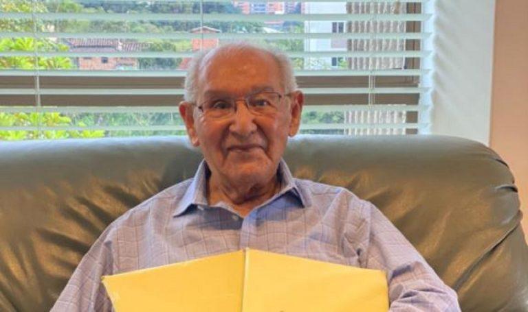 Colombia, consegna la tesi di dottorato a 104 anni