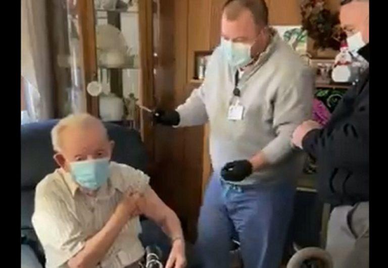 usa-nonno-vaccinato-nipote-infermiere