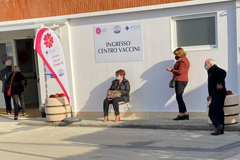 Vaccini Aifa una dose