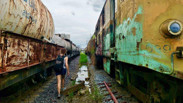 cimitero dei treni a Bang Sue (Bangkok - Thailandia)