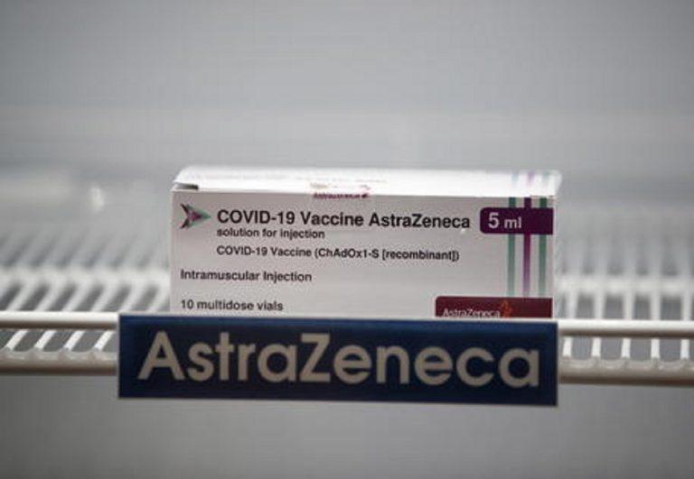 Nuovi tagli di AstraZeneca alle forniture di vaccini
