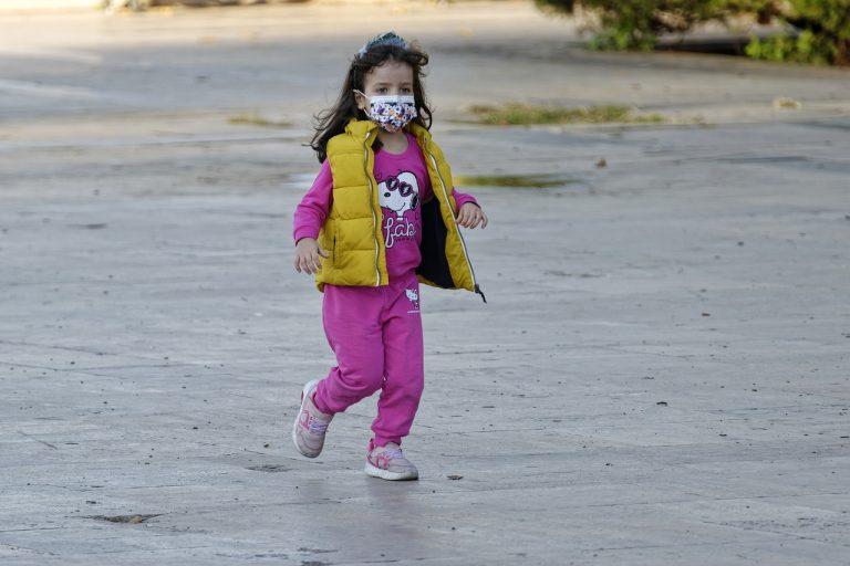 Nessun rischio per i bambini con la mascherina chirurgica