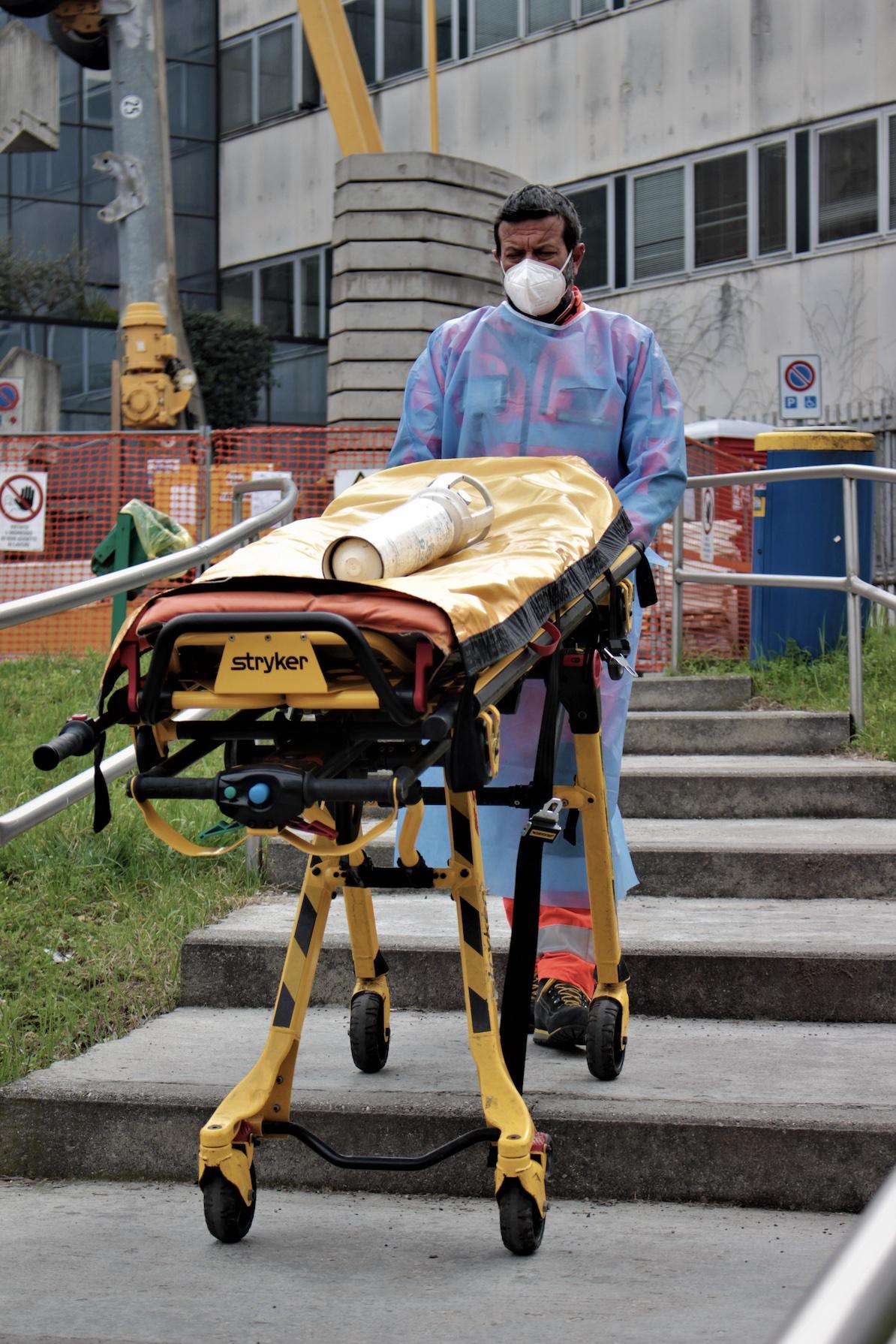 barella ospedale san carlo