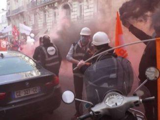 Francia, dipendenti di Suez e Veolia in piazza contro la fusione