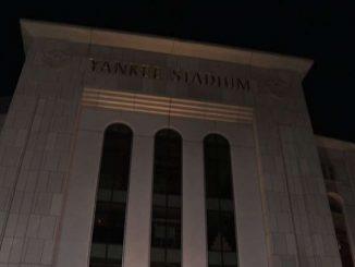 New York, in fila allo Yankee Stadium per il vaccino monodose