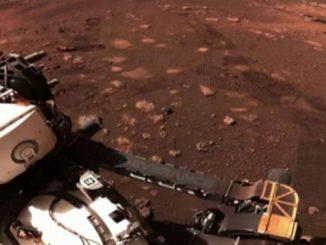 La prima passeggiata del rover Perseverance su Marte