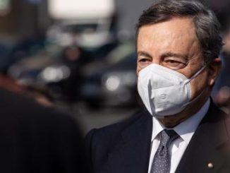Covid: Draghi, 'piano vaccini verrà potenziato, prima più fragili e categorie a rischio'