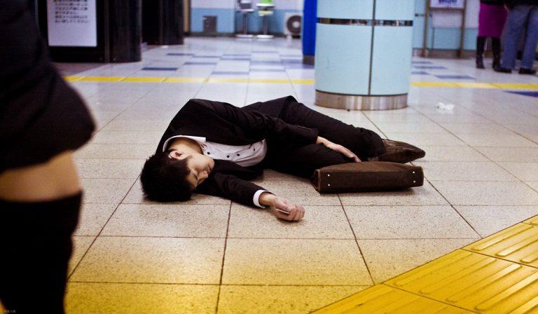"""Giappone, morte per superlavoro: caso di """"karoshi"""" in Sony"""