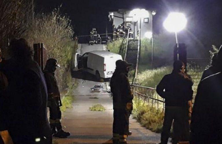 Incidente Napoli capostazione furgone