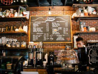 bar e ristoranti aperti a israele per campagna di vaccinazione