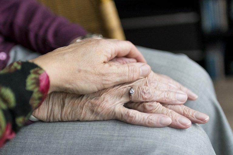 93enne vuole il divorzio dalla moglie: ha un'altra donna