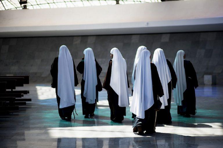Focolaio in un convento di Erba, settanta suore positive
