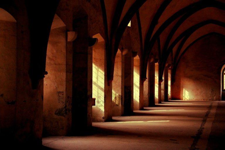 Focolaio in un convento, covid uccide quattro suore