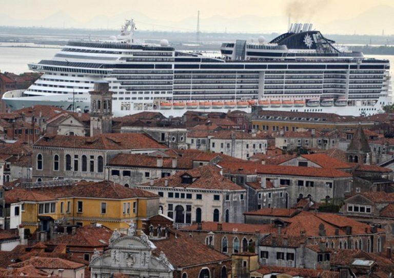Via le grandi navi da Venezia, attraccheranno a Marghera