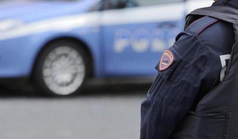 Poliziotto assente dal lavoro per fare il pizzaiolo, a processo