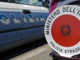 polizia-travolge-auto-morta-ragazza