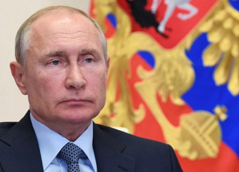 "Vladimir Putin augura ""salute"" a Joe Biden"