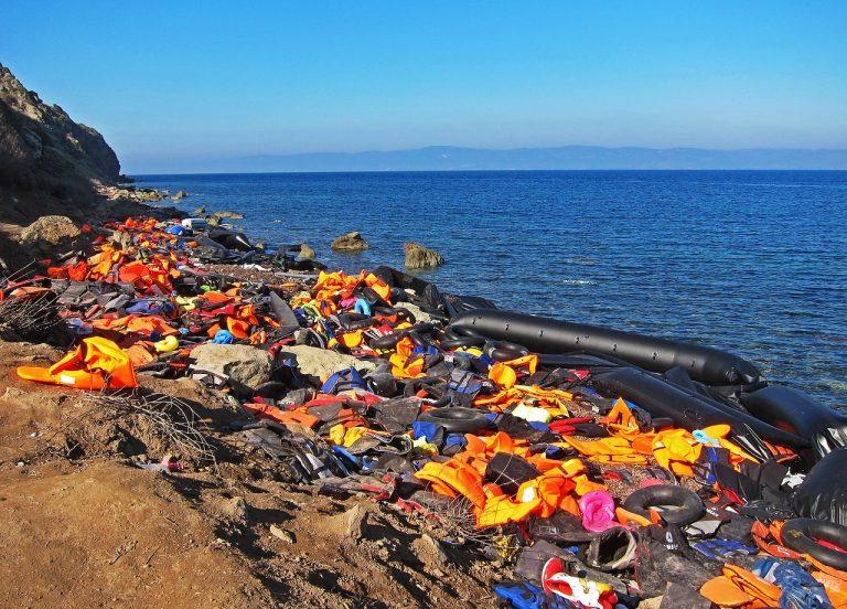 Naufragio di migranti al largo della Tunisia: 14 morti