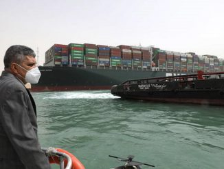 Cargo arenato a Suez, ci provano gli Usa
