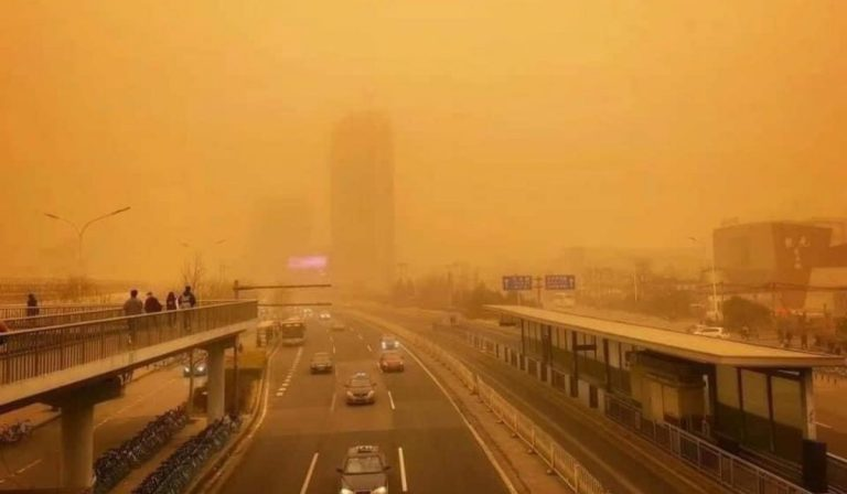 Tempesta sabbia smog Pechino