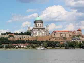 Ungheria, capsula del tempo del 1845 ritrovata nella Cattedrale di Esztergom