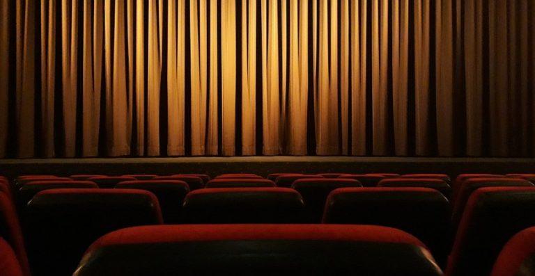Cinema e Teatri