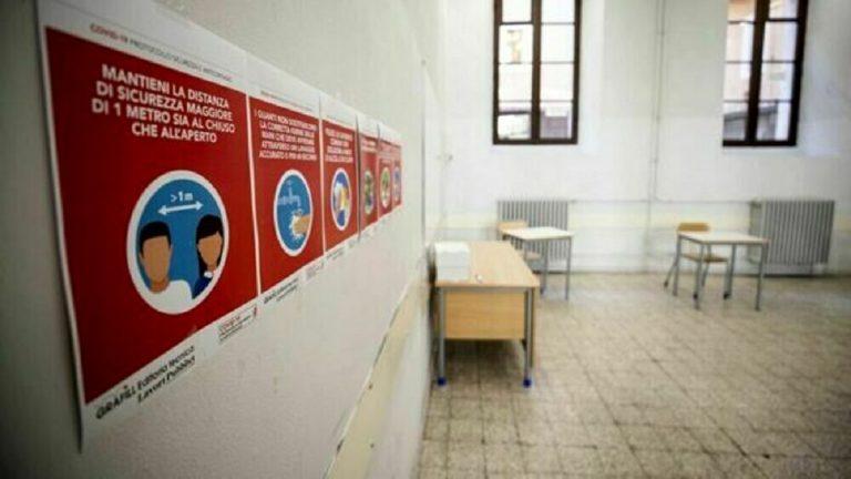 Scuola elemenatre chiusa a Somma Vesuviana, in provincia di Napoli