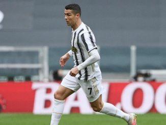 Cristiano Ronaldo pugni muro