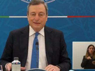 Mario Draghi in diretta da Palazzo Chigi