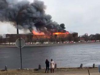 Incendio ex fabbrica San Pietroburgo