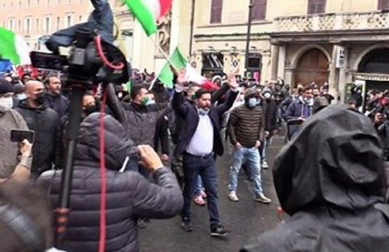 Un'immagine delle manifestazioni a Roma
