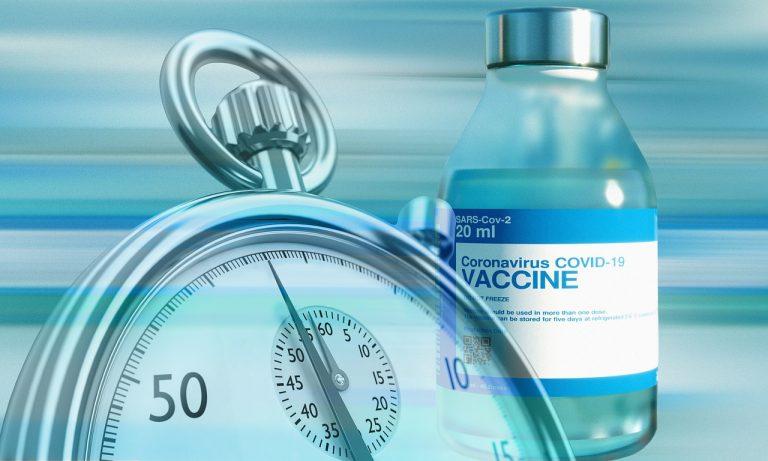 Vaccini, nicola zingaretti annuncia che da aprile in farmacia si troverà vaccino per 55-60 anni