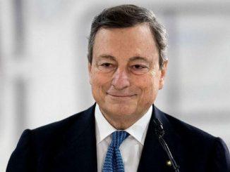 Draghi: cambio piano vaccinale in Italia