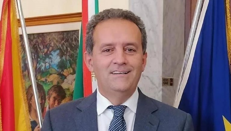Il sindaco Massimo Grillo