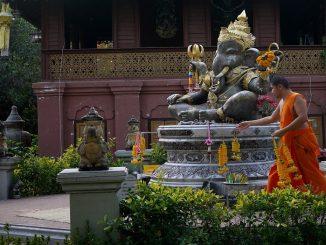 Thailandia, monaco buddista si decapita: lo aveva deciso anni prima