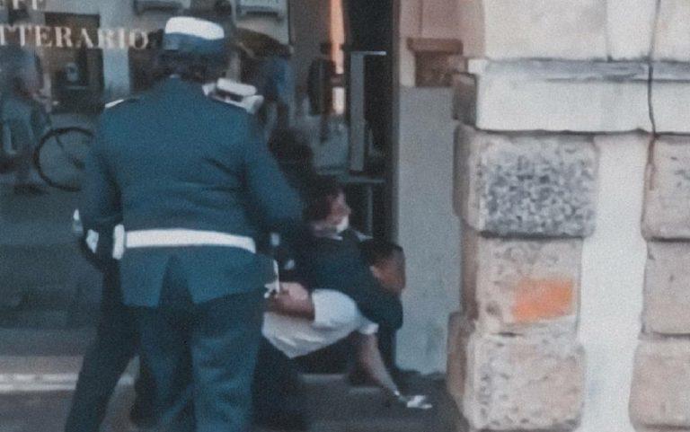 Polizia Manicipale blocca a terra ragazzo straniero a Padova