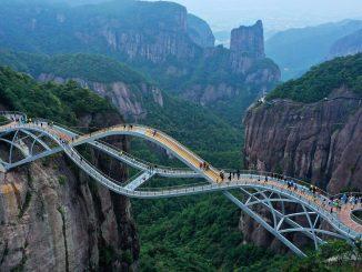 """Il ponte Ruyi per molti era una """"bufala web"""""""