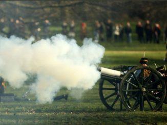 Principe Filippo salve di cannone