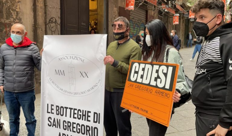 Protesta via san gregorio armeno