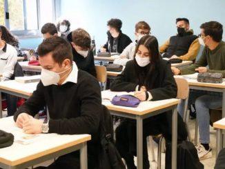 La situazione dei contagi nelle scuole napoletane