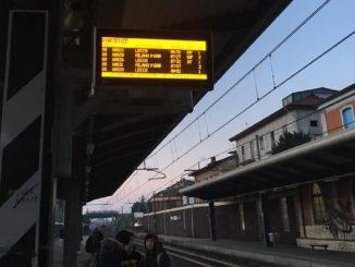Traffico rallentato alla stazione di Monza