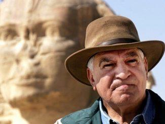 Zahi Hawass, archeologo, ex ministro e star tv