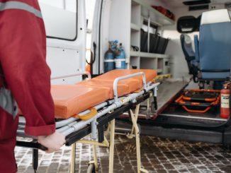 Tragedia a Deruta: muore folgorato davanti al padre