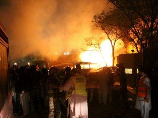 Bomba esplosa in hotel, feriti molti pakistani
