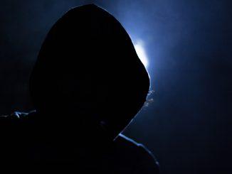 """Minori indagati: le """"prove"""" nel web"""