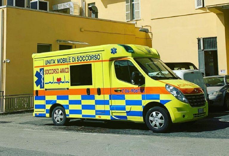 Un'ambulanza capitolina