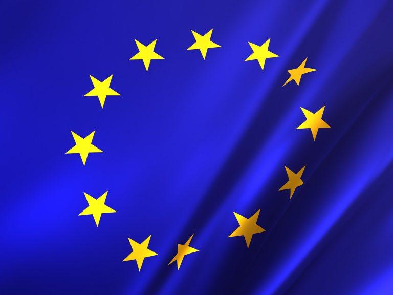 Biossido di titanio, il colorante alimentare non è sicuro: l'allarme dell'Ue