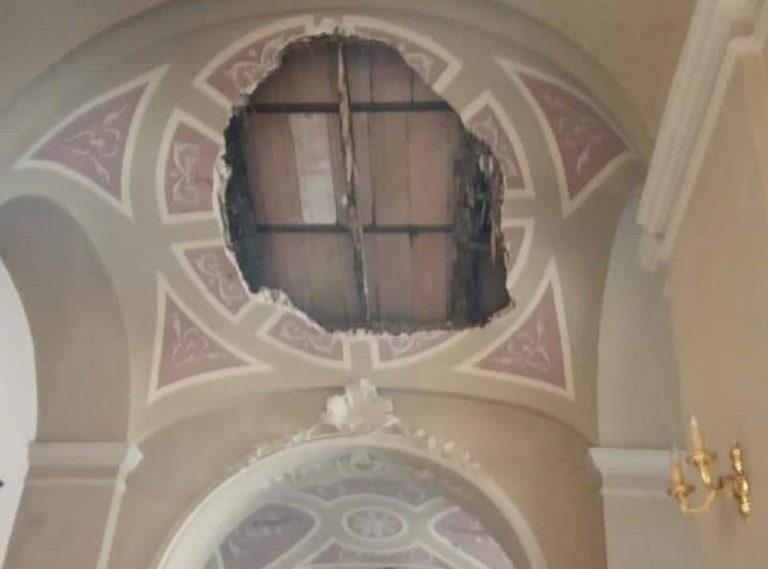 Chiesa di san nicola a Bari: crolla il tetto